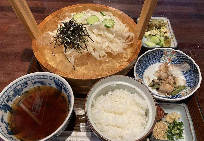 犬山城の下にある食事処