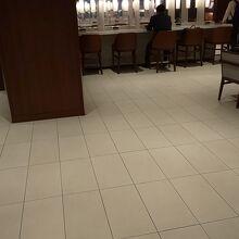 伊丹空港3階サクララウンジ