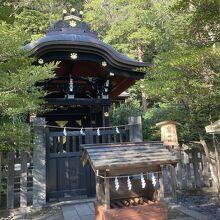 白旗神社 (鶴岡八幡宮境内)