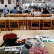 寿司、海鮮丼が豊富。