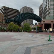 恵比寿駅からは直通の通路があります
