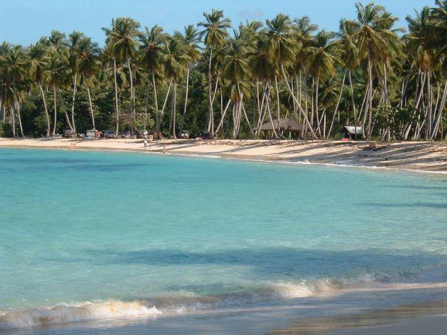 SAMANA半島にはたくさんのきれいなビーチがあります。フランス人に特に人気のあるエリアなのでおいしいクロワッサンやカフェオレと言う楽しみもあります。<br />私の大好きなSAMANAの海を紹介します。