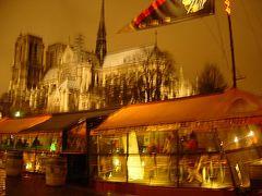 雪の夜のパリ