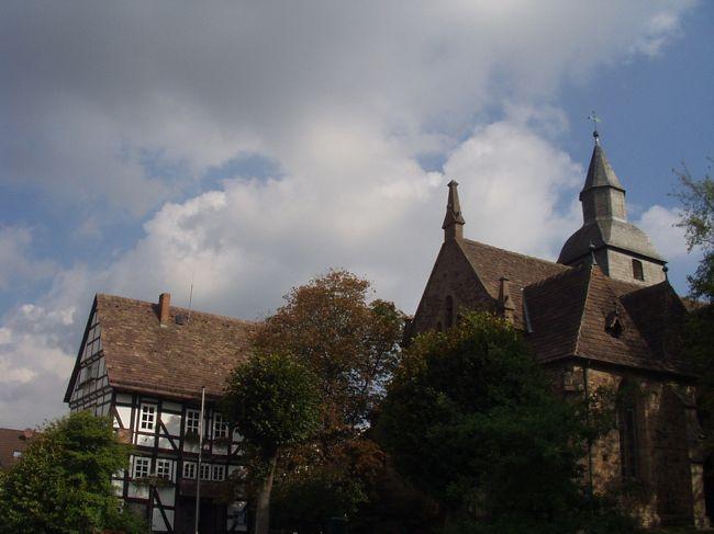 ハーメルンとカッセルの間、メルヘン街道のちょうど真ん中ぐらいにあるトレンデルブルクへ行きました。ここにはグリム童話「ラプンツェル」の舞台になったお城が古城ホテルとしてオープンしています。