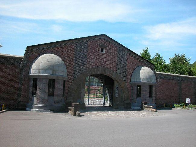 網走に行き、網走刑務所と博物館網走監獄に行って来た。網走刑務所は本物の刑務所、博物館網走監獄は、網走刑務所の古い施設を博物館にしたもの。