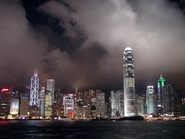 ボクの中国ビザを取る為に、香港へ行く事になりました。<br />爺ぃは香港へ行った事がないと言う事なので、一緒に連れて行く事になりました。<br />彼にとっては、これが初めての香港紀行になります。