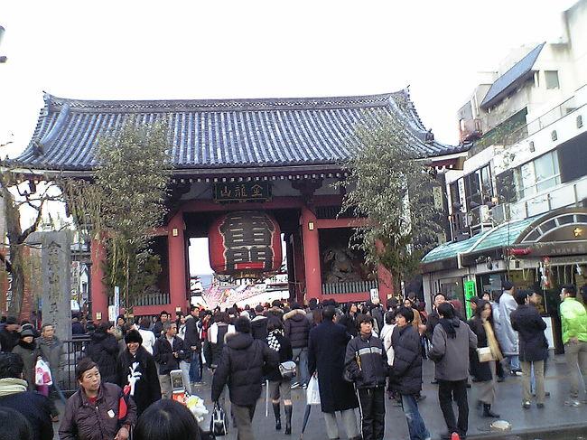 東京は雨模様。<br />2006年の新春は、浅草-白樺湖の雪国お泊りツアーで始まった。