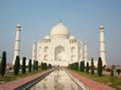 「インド周遊 5大世界遺産を訪問」? アグラ城・タージ・マハール