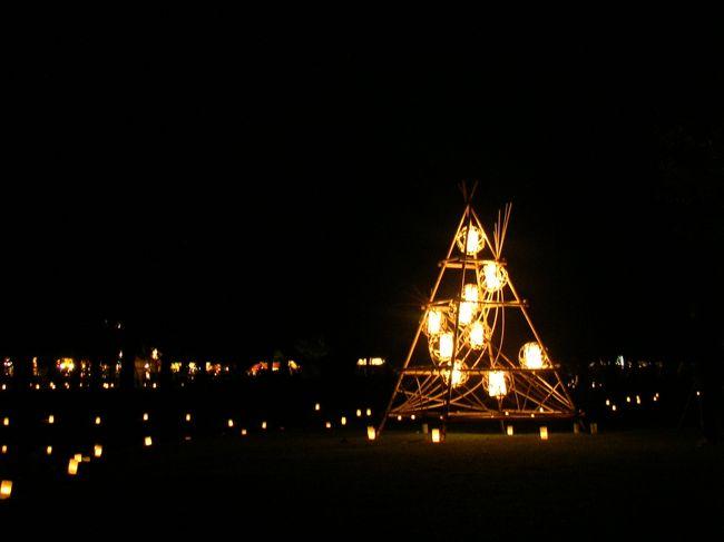 中学の卒業旅行以来の奈良公園です。本日は午前中に家を出発し、奈良公園〜東大寺〜春日大社〜そしてあまりにも時間が余って思わず携帯をFOMAに。そして時間を潰して燈花会に突入するのである。