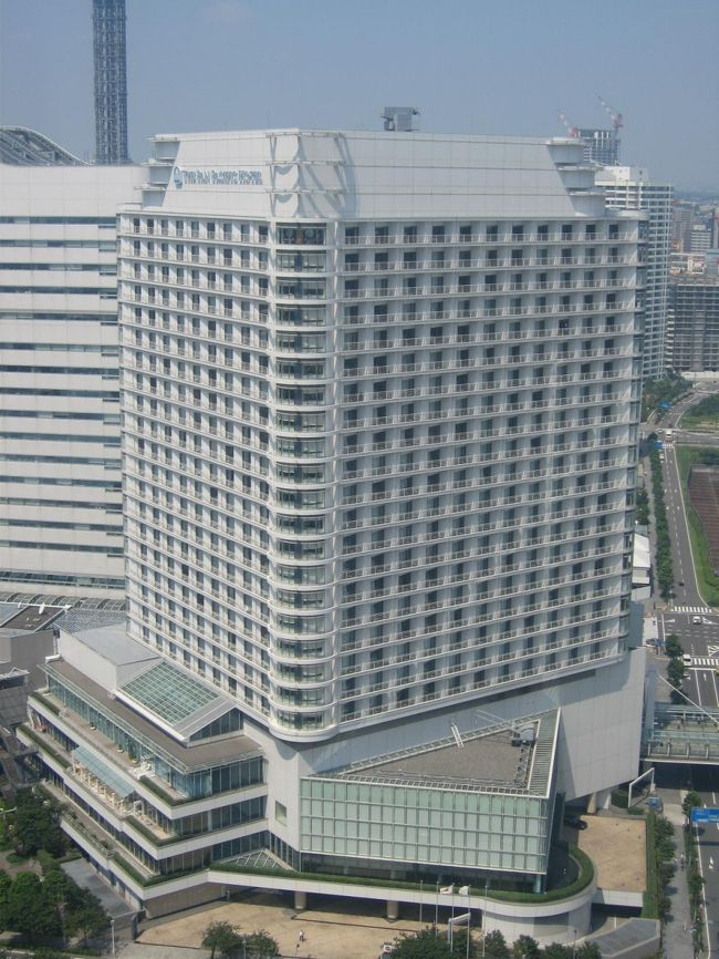 先日用事があり近くまで行く機会があったので、久しぶりにみなとみらいにあります「パンパシフィックホテル横浜」に宿泊してきました。<br />期待が大きすぎたのかちょっと残念な部分もありましたが、<br />ホテルの様子をこちらで紹介したいと思います。