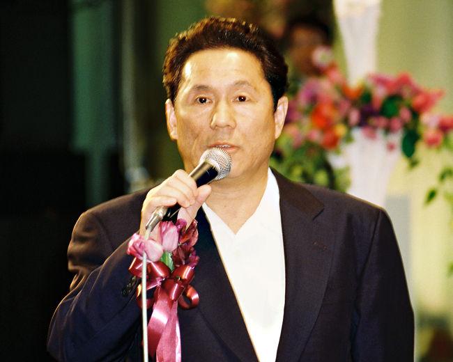 ○○テレビのプロデューサーとアナウンサーの結婚披露宴にお呼ばれした時に見えていた著名人の方々です。<br /> 場所は、赤坂プリンスホテルの五色の間 全スペースに600名?からのテーブル席での披露宴でした。<br /><br />http://www.princehotels.co.jp/akasaka/<br />