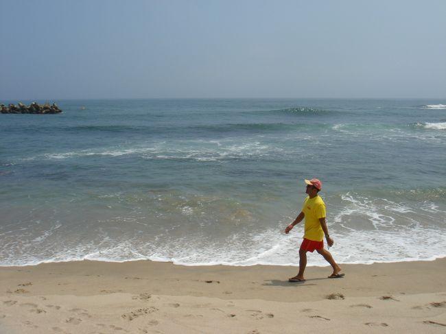 見つけちゃいました!<br />あたし的、ベスト海水浴場!<br /><br />砂はサラサラ。<br />駐車場は広いし♪<br />波も適度で☆<br />インターからも近い!<br /><br />なんといっても、隣接している温泉施設が最高です!<br />☆国民宿舎「鵜の岬温泉」☆<br />眺望抜群です!<br />宿泊も可能だそうですが、日帰りでも十分楽しめます!<br />海水浴の後、温泉に使って夕日を眺める・・・オススメですよ♪<br />17時以降、入浴料が割引になるという裏技アリ!<br /><br />
