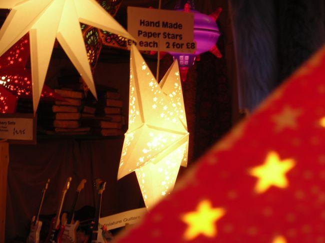 主目的はNEC(National Exhibition Centre)のファッションショー。<br />Londonからコーチで3時間弱の大都市。<br />駅前のマーケットの規模の大きさと活気にもびっくりしたけど、<br />City Centreで開かれてるFrankfurt Christmas Marketが気に入りました。<br />街のイルミネーションもクリスマス仕様できらびやか!