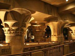Las Vegas ? Luxor 2- 食 & Fantasy ガールズ