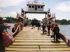 ボルネオ島のミリからブルネイを目指す。