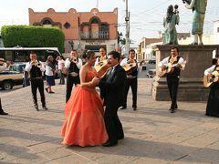 世界遺産ケレタロで他人の結婚式に勝手に参加!