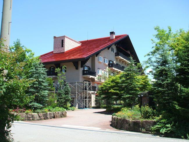 やっと夏らしい天気になってきたので、ぶらり1人旅をしてきた。会員制リゾートクラブのサンメンバーズは1人で泊まっても1人分の宿泊代金(3150円)だけでツインルームに宿泊できる。サンメンバーズひるがのはプチ・エクシブと呼ばれるくらい高級感があり、それでいてアットホームな雰囲気がある。