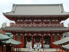 早朝の浅草寺