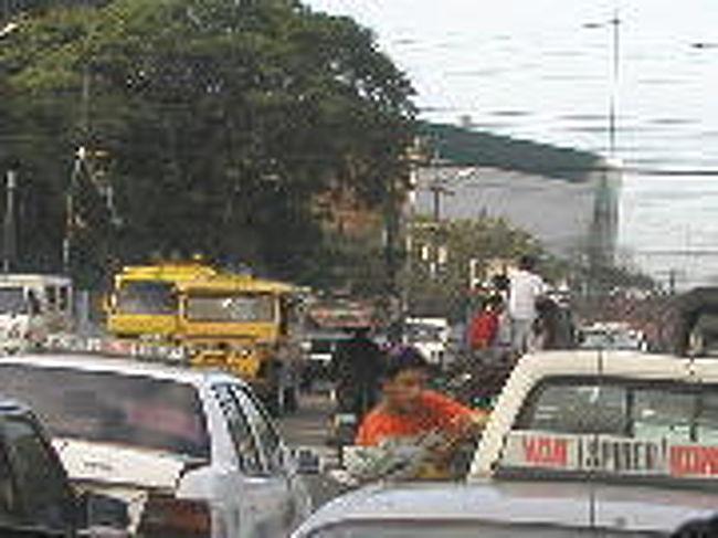 フィリピン 墜落 事故