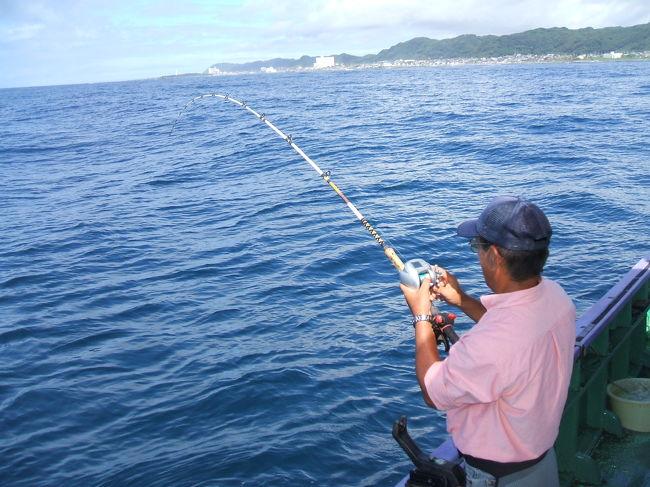 秋の釣りシーズンです<br />大物小物変わったもの<br />何でもござれ<br />へんなおじさんならぬ<br />変わったおじさんです(^◇^;)<br />詳細はHP<br />http://www.awamaru.net