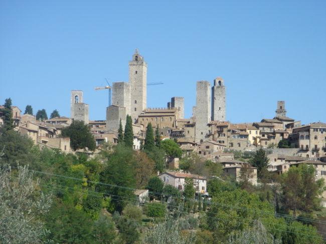 中世の塔の町・サン・ジミニャー...