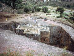 ラリベラの岩窟教会群を訪れる。