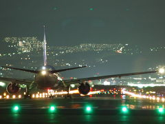 飛行機を眺める休日・大阪国際空港南端