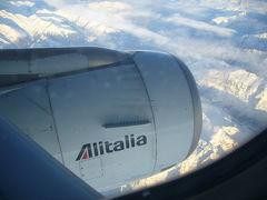 パリからローマへの飛行機からのアルプス