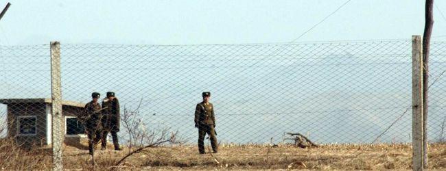 北朝鮮国境警備兵と中朝国境付近の様子を撮影