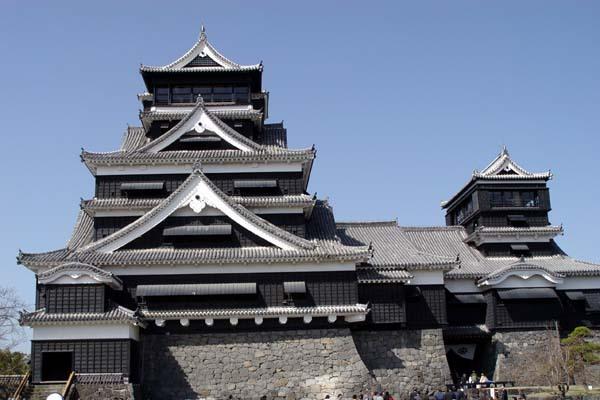 築城400年を迎えた加藤清正の熊本城と宮本武蔵が「五輪書」を著した霊厳洞を訪問しました。<br /> <br />