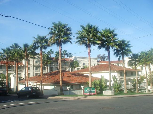 アメリカのサンディエゴは美しい都市である。私はメキシカンリビエラクルーズ終了後、サンディエゴのホテル『コートヤード・バイ・マリオット・サンディエゴ・オールドタウン(写真)』に1泊し、周辺観光を楽しんだ。<br /><br />私のホームページ『第二の人生を豊かに―ライター舟橋栄二のホームページ―』に旅行記多数あり。<br />http://www.e-funahashi.jp/<br /><br />