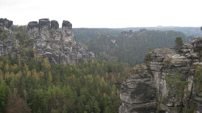ザクセン・スイスの石橋と砂岩