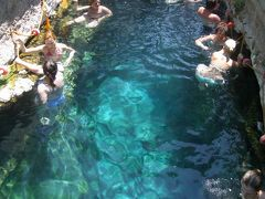 ? 7月 トルコ  温泉プールとパムッカレエクスプレシ