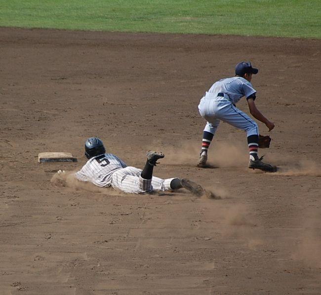 大リーグやプロ野球の観戦ツアーもいいけれど、アマチュア野球だって、熱いですよ。<br />むしろ、死ぬほど熱いです!<br />都市対抗野球と高校野球は、ドラマの連続なので、好きですわ。<br /><br />神奈川の高校野球の観戦旅行記です!