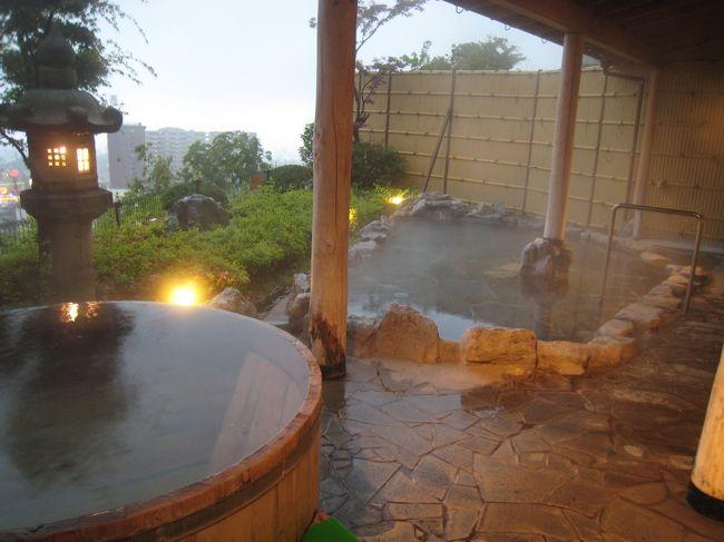 出張の宿はたいていはビジネスホテルです。<br />たまには別府の温泉に泊まってみようと杉乃井ホテルに宿泊してみました。