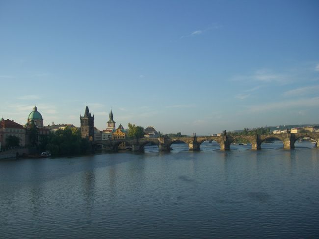 百塔の街プラハの塔にどれだけ登れるか挑戦しながらクラシック音楽の足跡をたどってみました。