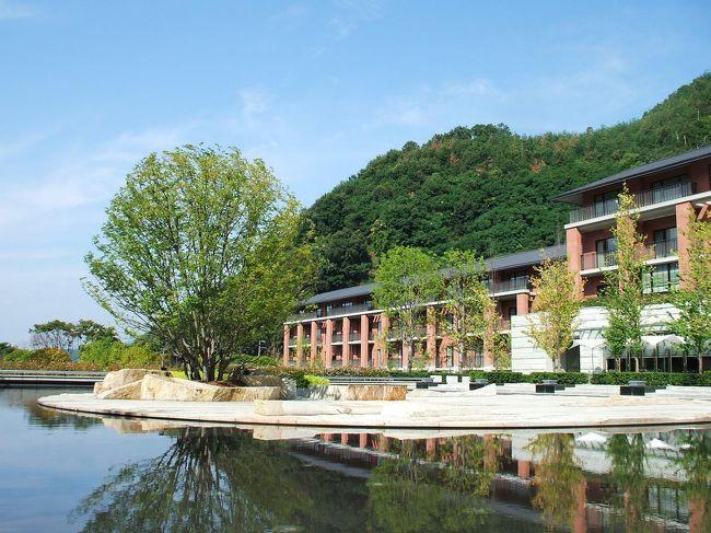 9月の3連休初日にエクシブ京都に行ってきた。今回は妻と二人での宿泊なので、豪華なディナービュッフェを堪能した。<br /><br />私のホームページ『第二の人生を豊かに―ライター舟橋栄二のホームページ―』に旅行記多数あり。<br />http://www.e-funahashi.jp/<br /><br />