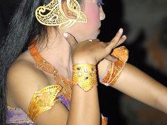 インドネシア4    ケチャ 「トレナ ジェンガラ」(付録:発光有りと無しとでは・・・)