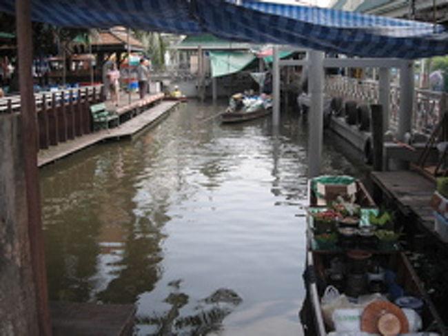バンコク2回目。<br />今回はブータンへの旅のtransitとして訪れました。<br />けど前後で2泊3日バンコクに滞在。<br />以前行ってなかった場所に行こうと思い、タリンチャンへ。<br />あの有名な方の水上マーケットは面倒くさかったので。。。