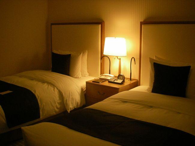用事のついでに帝国ホテルで忘年会。<br />今年もいっぱい遊びました♪<br /><br />往 路:JL120(J)<br />復 路:JL137(F)<br />ホテル:帝国ホテル東京<br />    1泊13,250円<br />    本館12階リニューアルフロア<br />費 用:約5万円