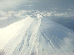 羽田から神戸ルートは山梨県辺りの上を飛び飛びます