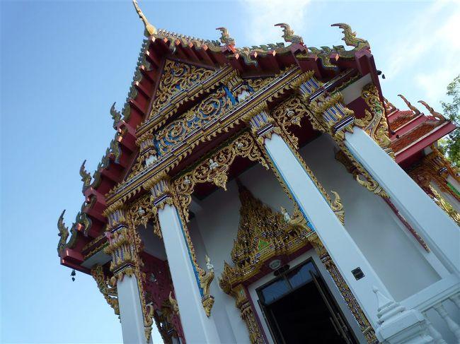 チョンブリでは結構有名な寺院だそうです。<br /><br />とても長閑な雰囲気です。
