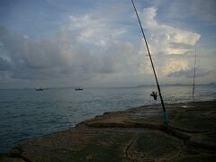 12日曜1目目5ゆうホテル前から釣りと散歩