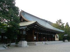 夕暮れの橿原神宮参拝