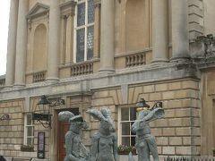 世界遺産 Bath の町。夕暮れを歩く