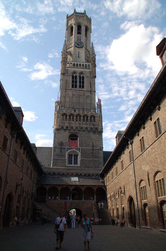 ブリュッセルからベルギー国鉄に乗り、およそ一時間のところにあるブルージュに行って来ました。<br /><br />なお、このアルバムは、ガンまる日記:ブルージュ[http://marumi.tea-nifty.com/gammaru/2009/08/post-b50a.html]とリンクしています。詳細については、そちらをご覧くだされば幸いです。