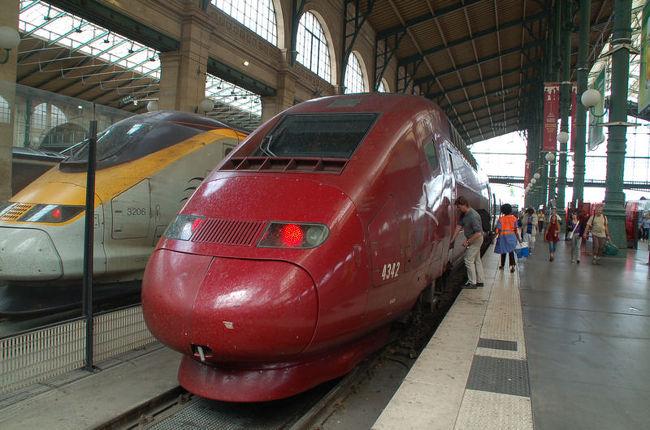 ブリュッセルからタリス(ドイツのケルンとフランスのパリを結ぶ国際高速列車)に乗って、パリまで移動しました。<br /><br />なお、このアルバムは、ガンまる日記:ガンまる、タリスに乗る[http://marumi.tea-nifty.com/gammaru/2009/08/post-1430.html]<br />とリンクしています。詳細については、そちらをご覧くだされば幸いです。
