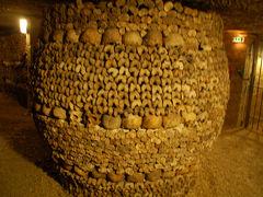 パリの地下墓地カタコンブ