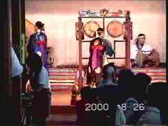 韓国の太鼓と踊りのビデオクリップ