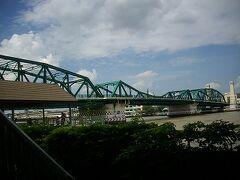 18日曜路線バス40番プット橋を歩き日本人納骨堂へ